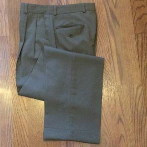 Men's Ralph Lauren cuffed 💯 wool dress pants.